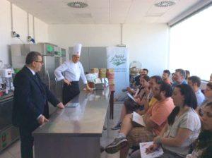 laboratorio per dimostrazioni e corsi con Maestro, sig. Padovani, e Clienti
